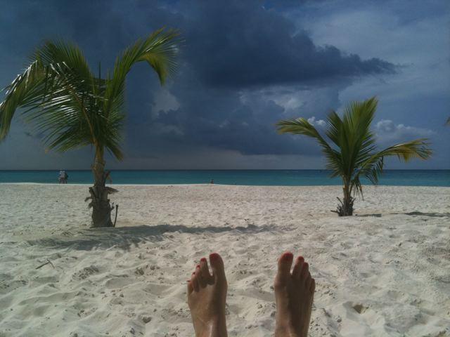 Eagle Beach, het strand voor de deur van Manchebo (foto: Caperleaves)