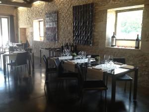 interieur restaurant Chateau de Haute Serre, Cahors (foto: Caperleaves)