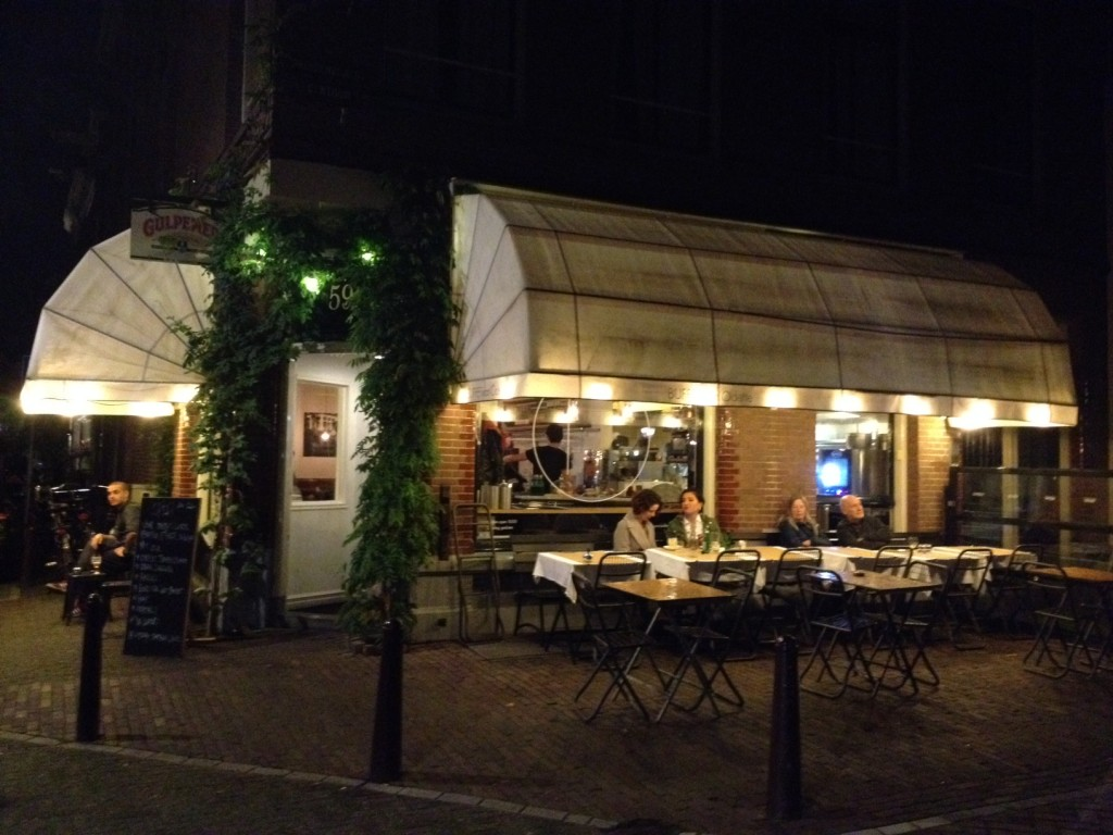 Het Buffet van Odette at night (foto: Caperleaves)