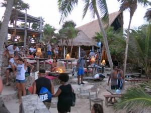 Papaya Playa Beachclub (Foto's: Caperleaves)