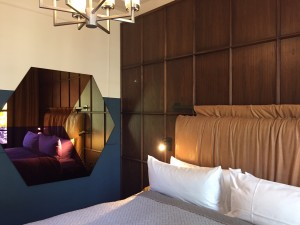 Kamer in The Hoxton Amsterdam (foto's: Caperleaves)