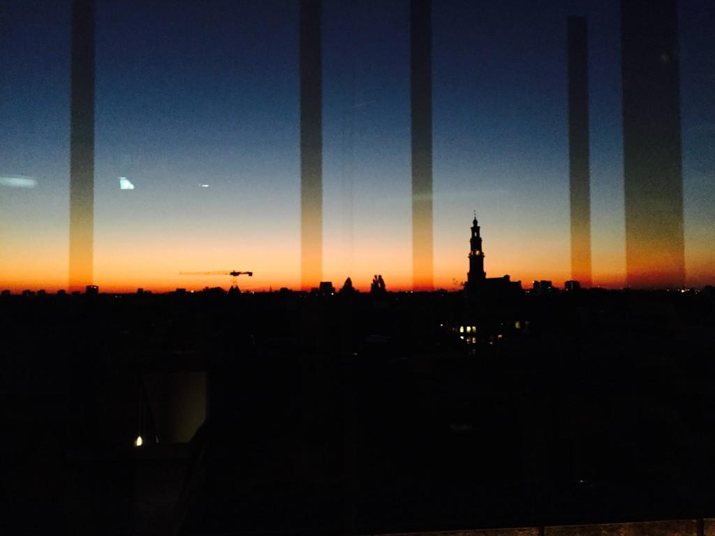 Uitzicht Mr Porter W Hotel Amsterdam (foto: Caperleaves)
