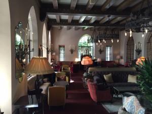 Lobby-bar en avocadotoast Chateau Marmont (foto's: Caperleaves)